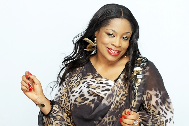 Photo of Fierce! See What Singer Sinach Did To Her Husband (Photos)