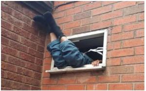 Drama as thief gets stuck