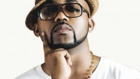 Watch BankyW's Reaction When A Female Fan Touches His Privates